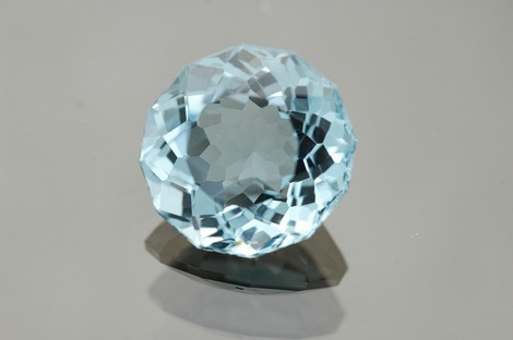 Round cut blue diamond